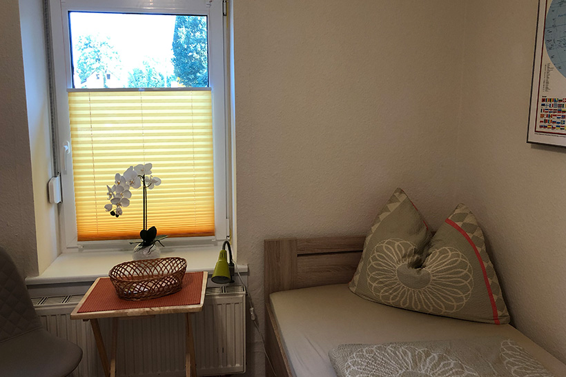 Zimmer 2 - Zimmer mit einem Bett - Zimmervermietung für Pendler und Monteure