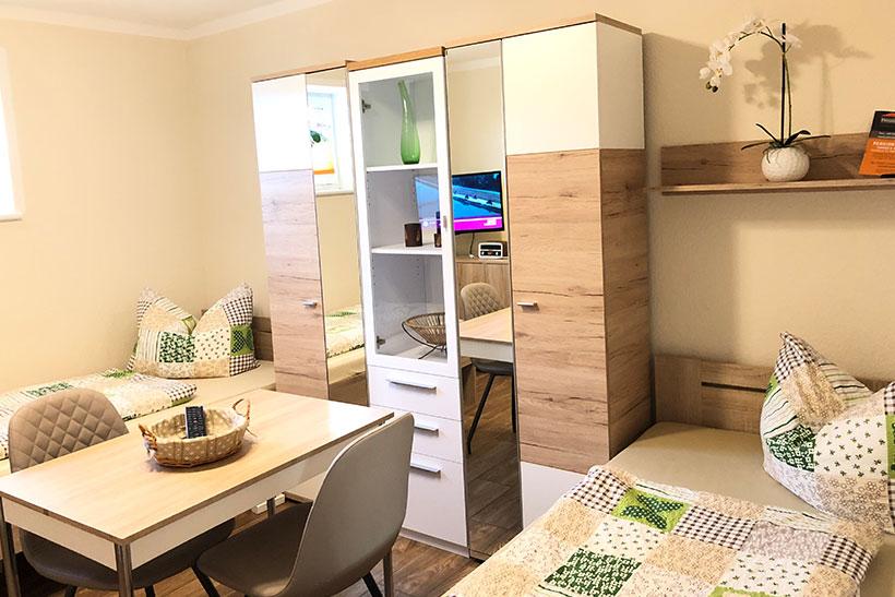 Zimmer 2 - Monteurzimmer mit zwei Betten bei Michendorf
