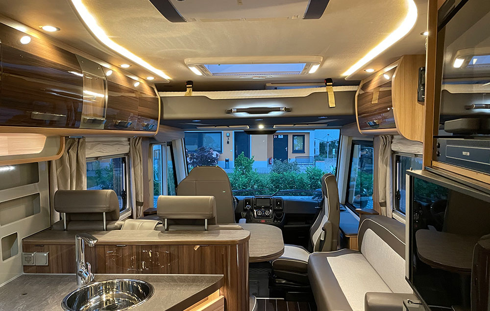 Pension Fröhlich - Wohnmobil Vermietung - Knaus SUN I 900 LEG - Luxusklasse bei Berlin und Potsdam